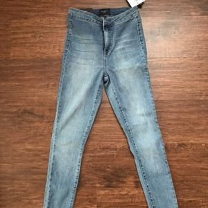 Fashion Nova - Hi Rise Jeans - Med Wash - Size 25
